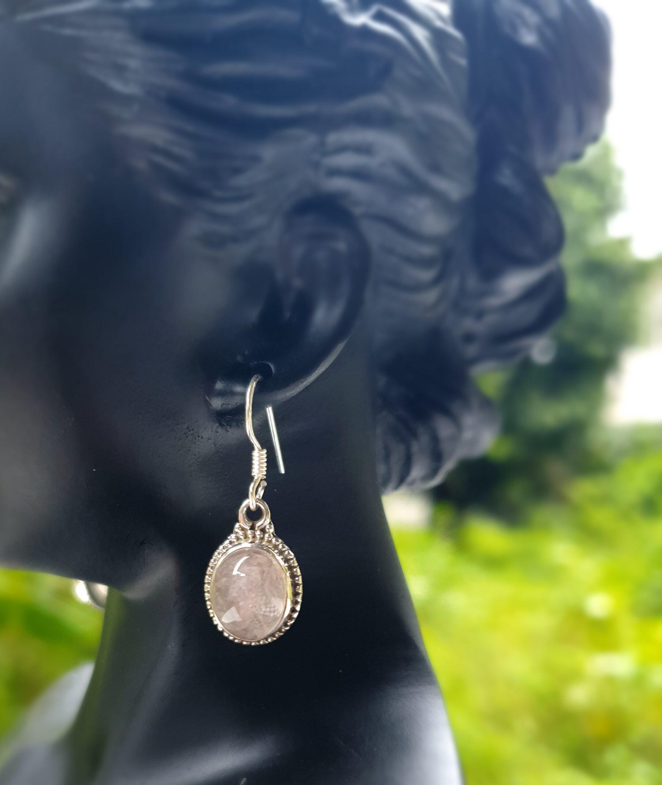 Photo earring moonstone 4