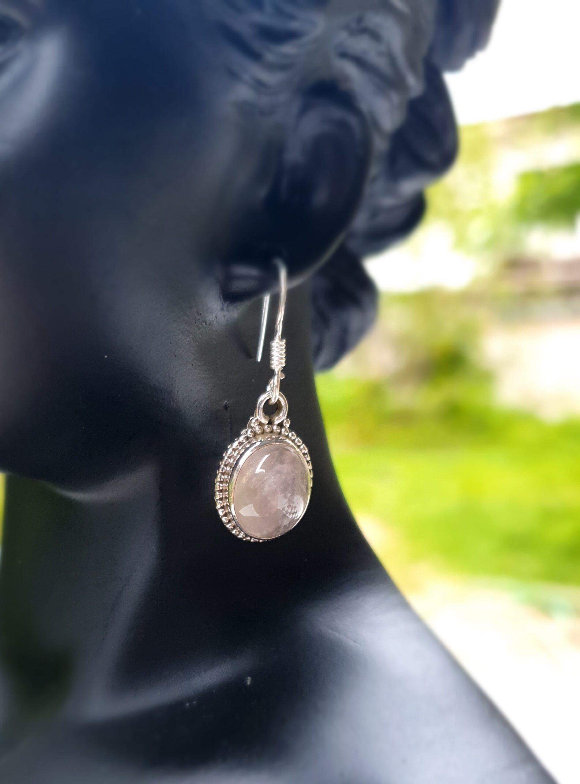 Photo earring moonstone 3