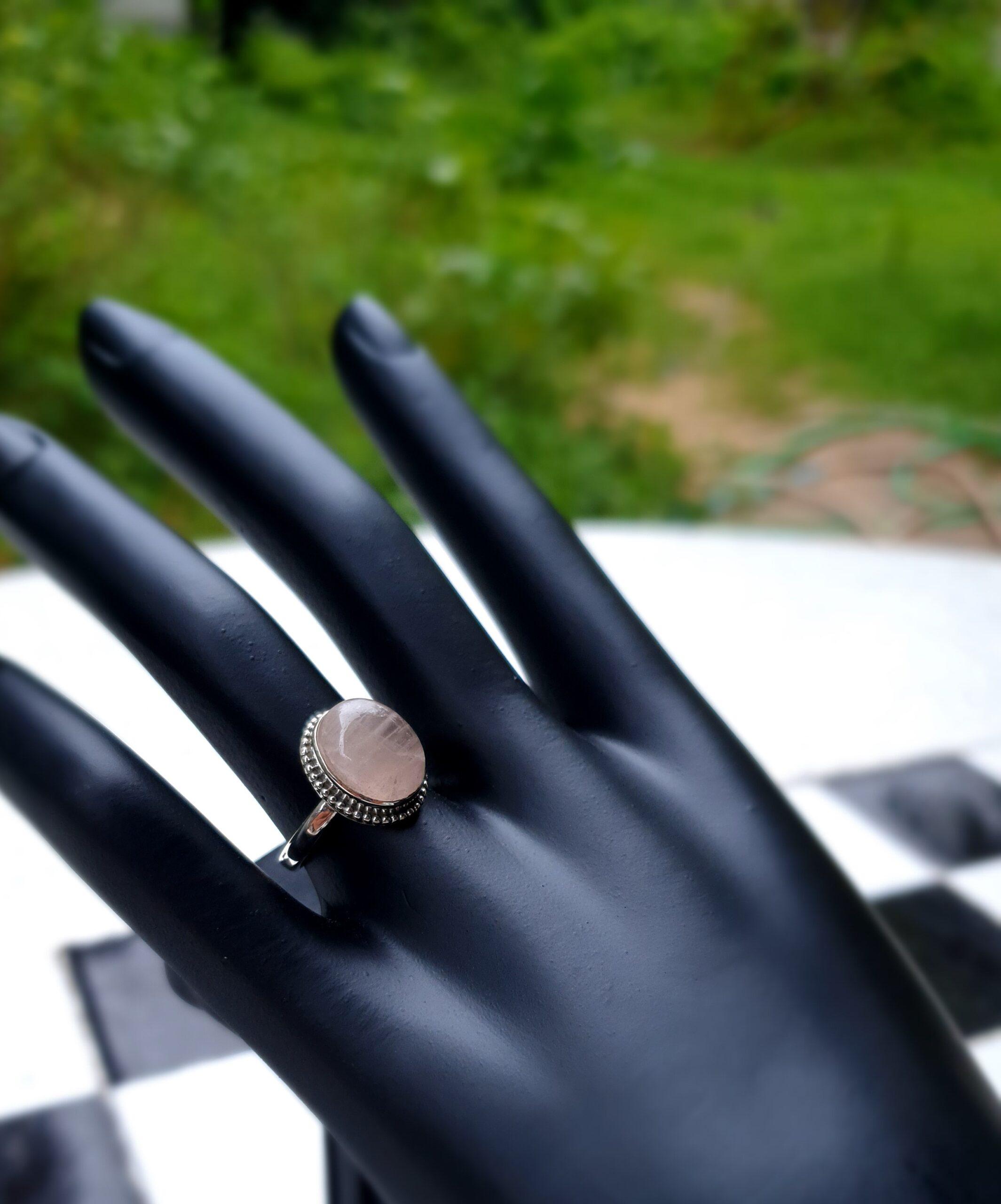 Photo moonstone ring 3